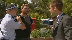 Constable Lee Davis, Robber, Mark Brennan in Neighbours Episode 6057