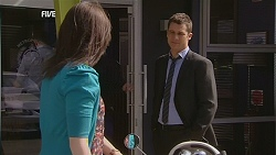 Kate Ramsay, Mark Brennan in Neighbours Episode 6057