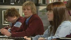 Andrew Robinson, Summer Hoyland in Neighbours Episode 6058