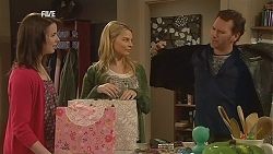 Kate Ramsay, Donna Freedman, Lucas Fitzgerald in Neighbours Episode 6058