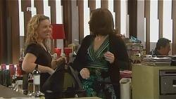 Kim Ladle, Rebecca Napier in Neighbours Episode 6059