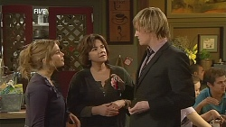 Natasha Williams, Lyn Scully, Andrew Robinson in Neighbours Episode 6059