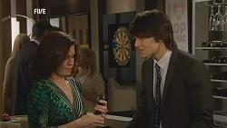 Rebecca Napier, Declan Napier in Neighbours Episode 6059