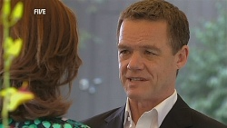 Rebecca Napier, Paul Robinson in Neighbours Episode 6060