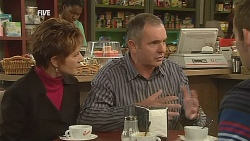 Susan Kennedy, Karl Kennedy, Toadie Rebecchi in Neighbours Episode 6060