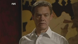 Paul Robinson in Neighbours Episode 6060