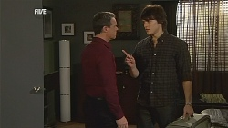 Paul Robinson, Declan Napier in Neighbours Episode 6061
