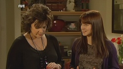 Lyn Scully, Summer Hoyland in Neighbours Episode 6064