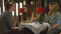 Lucas Fitzgerald, Jade Mitchell, Sonya Mitchell in Neighbours Episode 6066