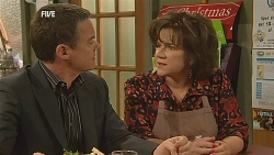 Paul Robinson, Lyn Scully in Neighbours Episode 6066
