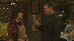 Lyn Scully, Paul Robinson in Neighbours Episode 6066