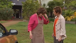 Lyn Scully, Susan Kennedy in Neighbours Episode 6067