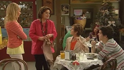 Donna Freedman, Lyn Scully, Susan Kennedy, Zeke Kinski in Neighbours Episode 6067