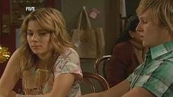 Natasha Williams, Andrew Robinson in Neighbours Episode 6068