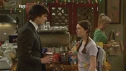 Declan Napier, Sophie Ramsay in Neighbours Episode 6068