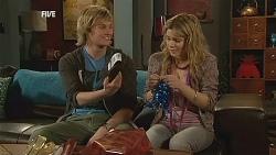 Andrew Robinson, Natasha Williams in Neighbours Episode 6068