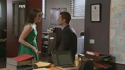 Kate Ramsay, Mark Brennan in Neighbours Episode 6068