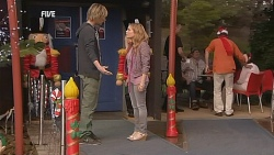 Andrew Robinson, Natasha Williams in Neighbours Episode 6069