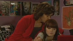 Lyn Scully, Summer Hoyland in Neighbours Episode 6070