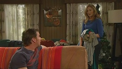 Lucas Fitzgerald, Sonya Mitchell in Neighbours Episode 6070