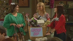 Lyn Scully, Donna Freedman, Summer Hoyland in Neighbours Episode 6070