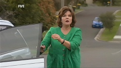 Lyn Scully in Neighbours Episode 6070