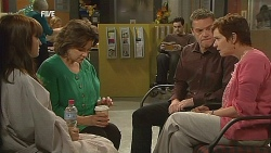 Summer Hoyland, Lyn Scully, Paul Robinson, Susan Kennedy in Neighbours Episode 6072