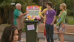 Lou Carpenter, Zeke Kinski, Donna Freedman in Neighbours Episode 6072