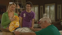 Donna Freedman, Zeke Kinski, Lou Carpenter in Neighbours Episode 6072
