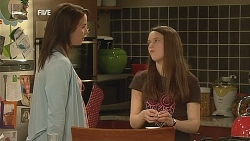 Kate Ramsay, Sophie Ramsay in Neighbours Episode 6075