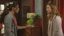 Jade Mitchell, Sonya Mitchell in Neighbours Episode 6075