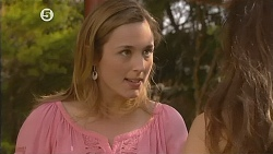 Sonya Mitchell, Jade Mitchell in Neighbours Episode 6076