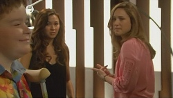 Callum Jones, Jade Mitchell, Sonya Mitchell in Neighbours Episode 6076