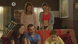 Sophie Ramsay, Sonya Mitchell, Toadie Rebecchi, Jade Mitchell, Callum Jones in Neighbours Episode 6077