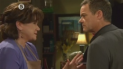 Lyn Scully, Paul Robinson in Neighbours Episode 6077