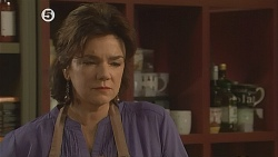 Lyn Scully in Neighbours Episode 6077