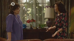 Lyn Scully, Rebecca Napier in Neighbours Episode 6078