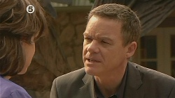 Lyn Scully, Paul Robinson in Neighbours Episode 6078