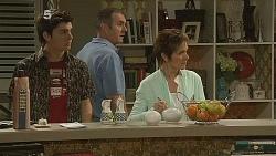 Zeke Kinski, Karl Kennedy, Susan Kennedy in Neighbours Episode 6083