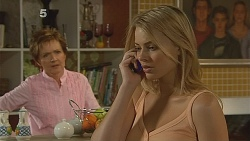 Susan Kennedy, Donna Freedman in Neighbours Episode 6083