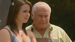 Kate Ramsay, Lou Carpenter in Neighbours Episode 6084