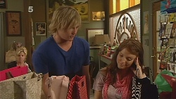 Andrew Robinson, Summer Hoyland in Neighbours Episode 6086
