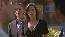 Michael Williams, Paul Robinson, Rebecca Napier, Declan Napier in Neighbours Episode 6088