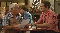 Lou Carpenter, Kyle Canning in Neighbours Episode 6089