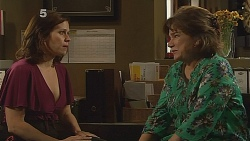 Rebecca Napier, Lyn Scully in Neighbours Episode 6089