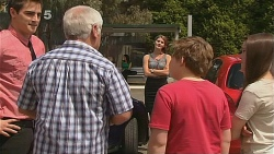 Kyle Canning, Lou Carpenter, Customer, Callum Jones, Sophie Ramsay in Neighbours Episode 6089