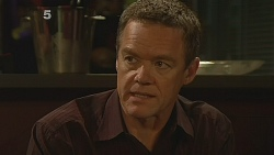 Paul Robinson in Neighbours Episode 6089