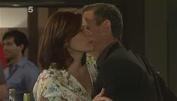 Rebecca Napier, Paul Robinson in Neighbours Episode 6090