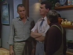 Jim Robinson, Des Clarke, Tom Ramsay in Neighbours Episode 0266