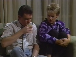 Des Clarke, Daphne Lawrence in Neighbours Episode 0266